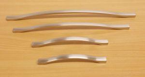 Úchytka Amélie 288/303 mm Ni-broušený ( imitace nerezi)