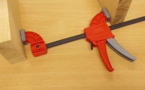Jednoruční svěrka Midi Bar-Man, délka 15 cm