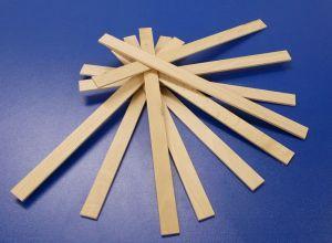 dřevěná špachtle na míchání barev,lepidel,laků - bal=10ks.