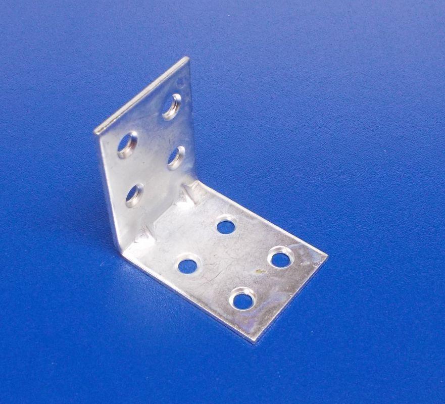 Úhelník s prolisem 30x30x30 mm, zinek bílý,tl.2mm, bal.=50ks