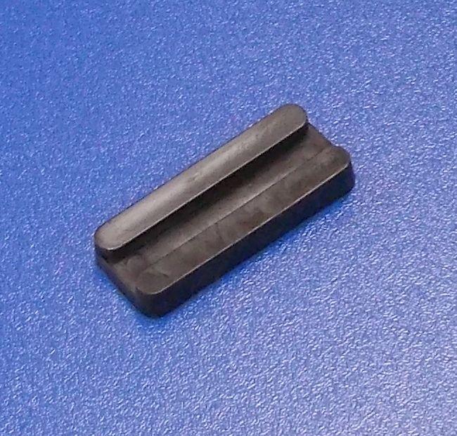 Nábytková soklová podnož nastřelovací , černá , balení=100 ks