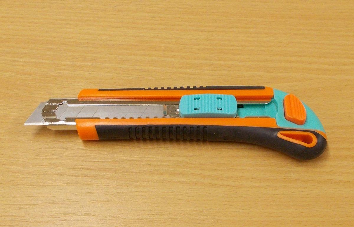 Odlamovací nůž model 18, náhr.čepele součástí nože 2ks