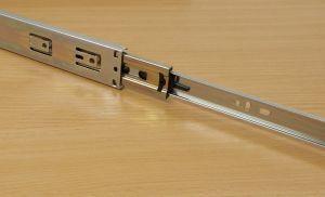 Kuličkový plnovýsuv s tlumením,značka FGV, délka 450 mm