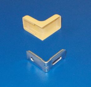 Kovový úhelník s nasouvací krytkou, tva L ,buk