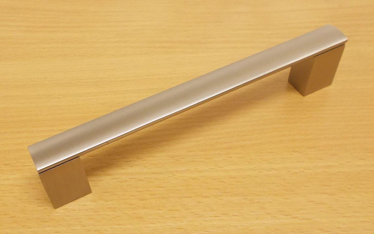 Úchytka Porta 96/110 mm Ni-broušený