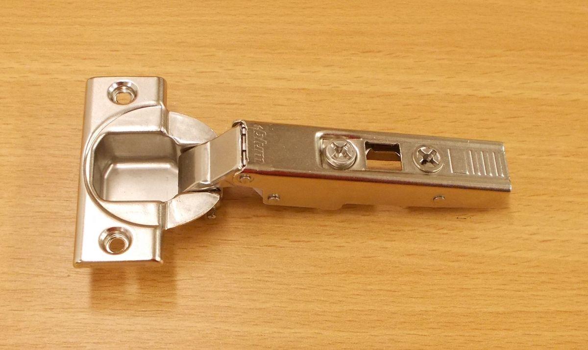 Závěs blum naložený,clip, top, 110 stupňů,k.č. 71T3550 - 1kus
